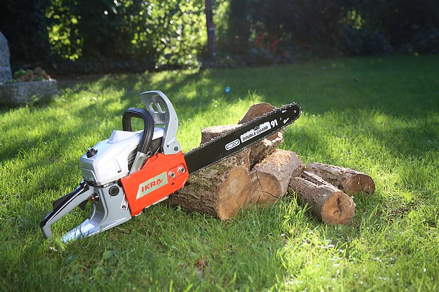 Brennholz vorbereiten mit IKRA Kettensägen