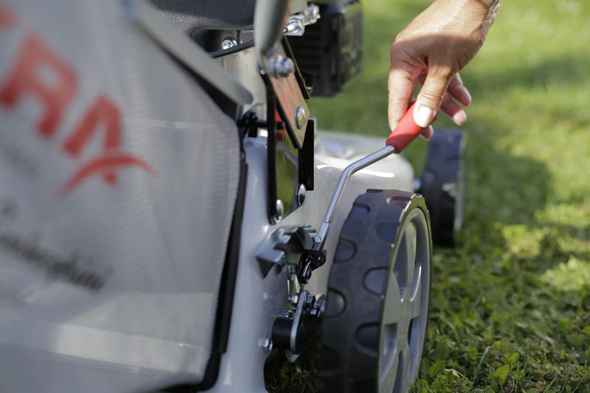 IKRA Benzin Rasenmäher IBRM 1040 Schnitthöhe verstellen