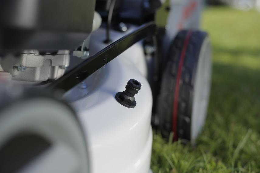 IKRA Benzin Rasenmäher IBRM 1448 E Wasserschlauchanschluss