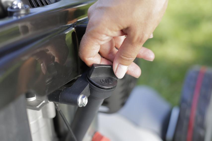 IKRA Benzin Rasenmäher IBRM 1448 E Öl nachfüllen