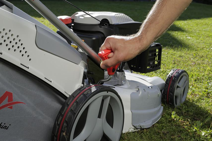 IKRA Benzin Rasenmäher IBRM 2351 Schnitthöhenverstellung