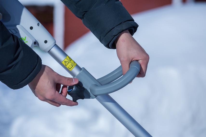 IKRA Schneefräse Schneeschieber IAF 40-3325 Griff verstellen