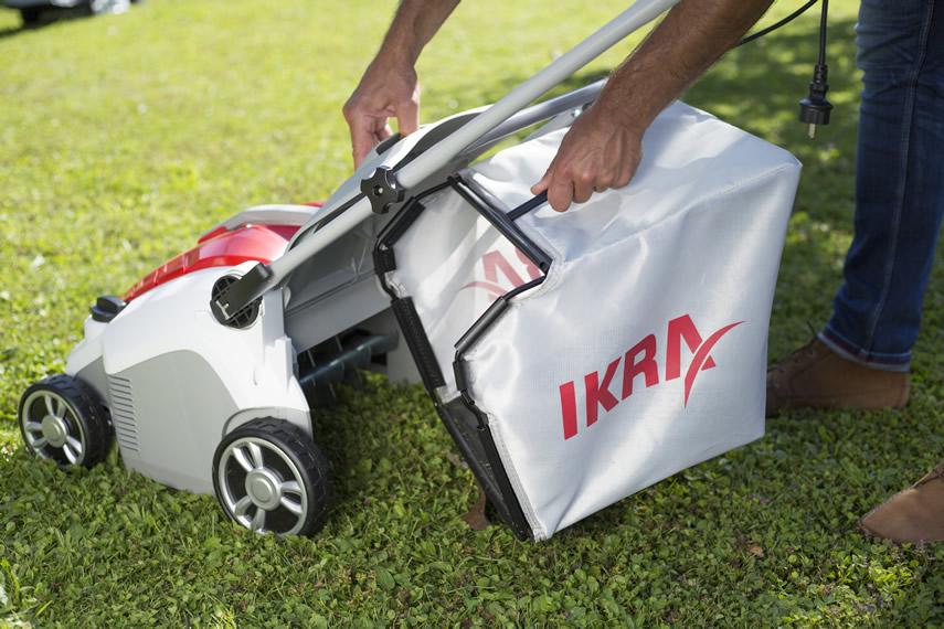 IKRA Vertikutierer Rasenlüfter IEVL 1738 Fangsack entnehmen