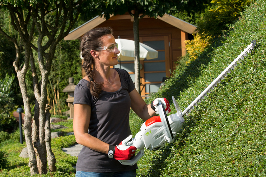40 Volt hedge trimmer ONE FOR ALL