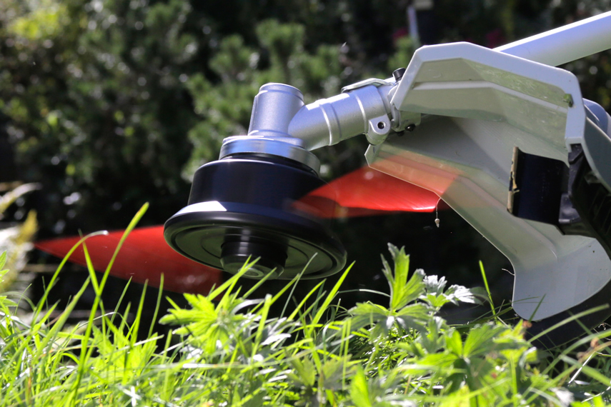 Blades for lawn edgers